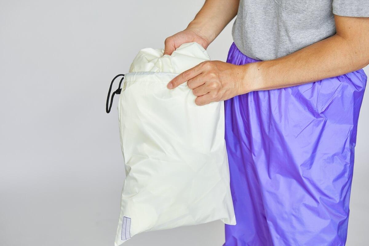 便利な収納袋付き
