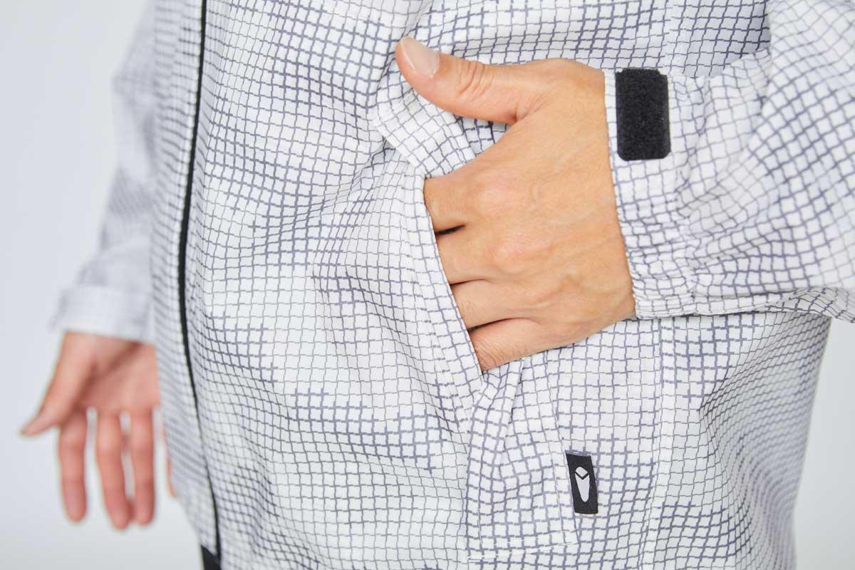 フラップ付きポケット 左
