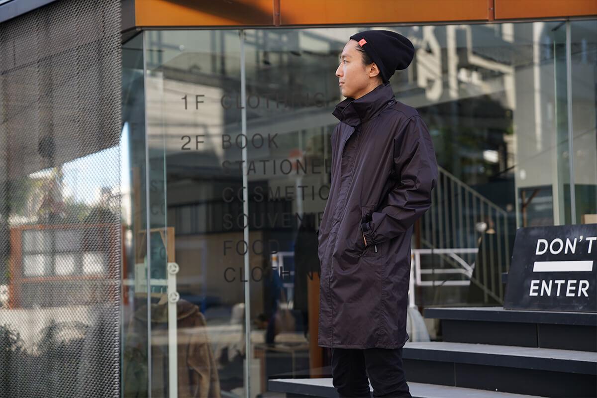 街使いにピッタリのコート丈スタイル