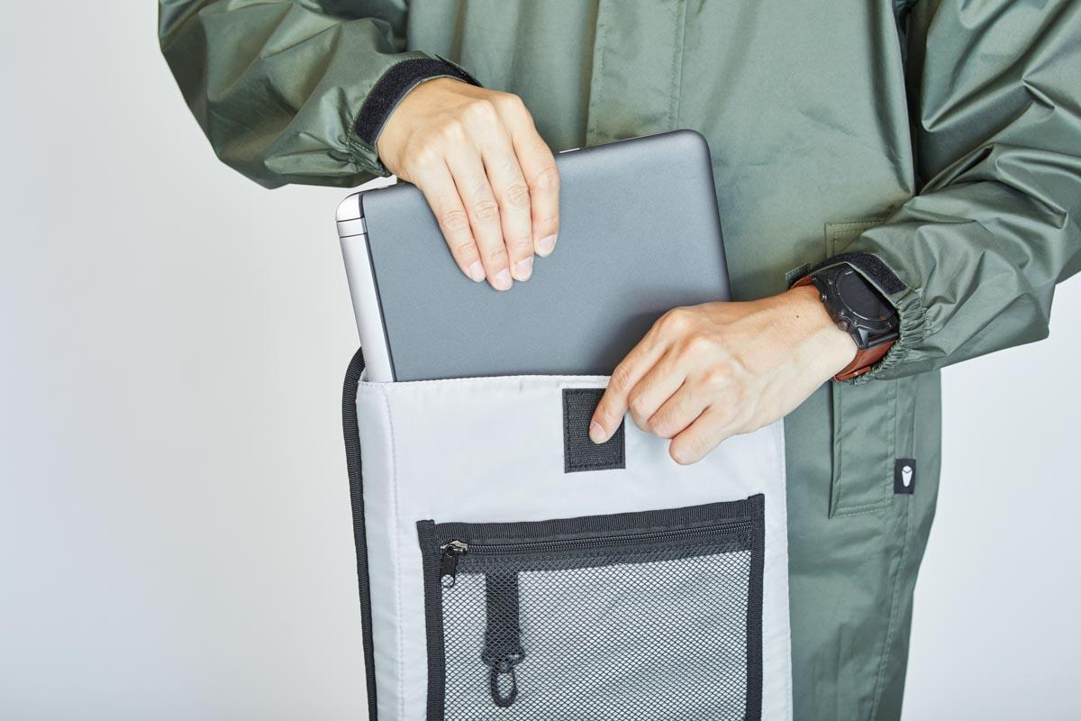 ノートPCも収納できるインナーバッグ付属2